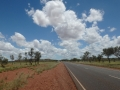 Der-Stuart-Highway-in-Tennant-Creek