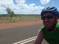 Tobi-radelt-in-Tennant-Creek