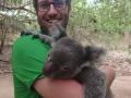 Tobi-und-Koala-im-Nationalpark-auf-Maggie-Island